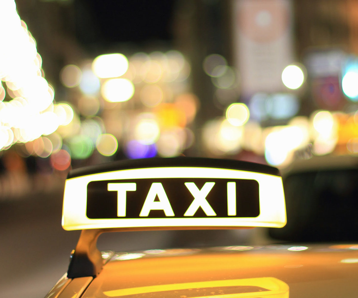 o-chicago-gay-taxi-lawsuit-facebook